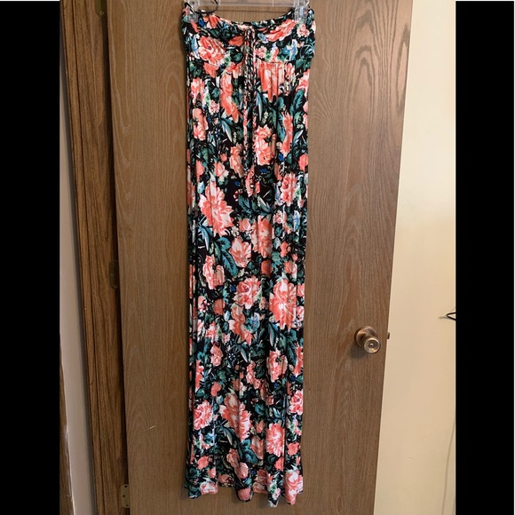 Forever 21 Dresses & Skirts - Convertible maxi dress